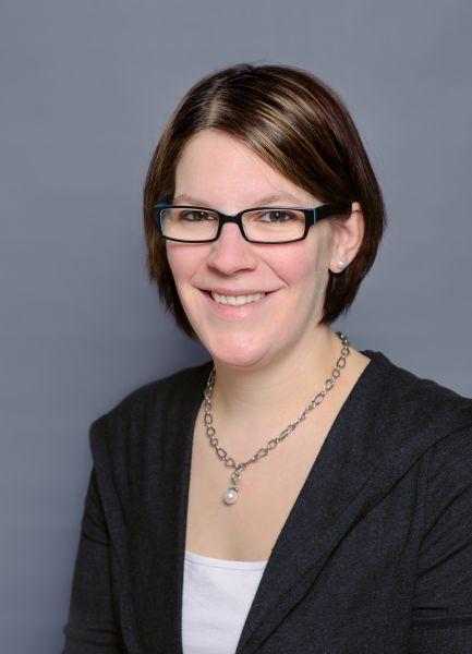 Frau Melanie Soeken